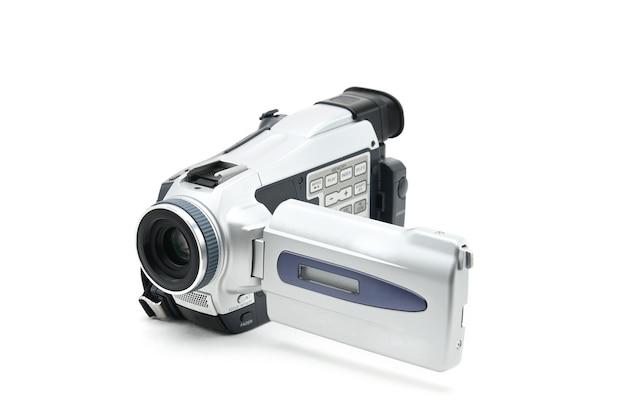 Semi-professionele videocamcorder die wordt gebruikt voor het opnemen van videoclips op geïsoleerde witte achtergrond