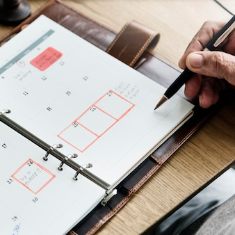 Senior adult planning agenda kalender concept