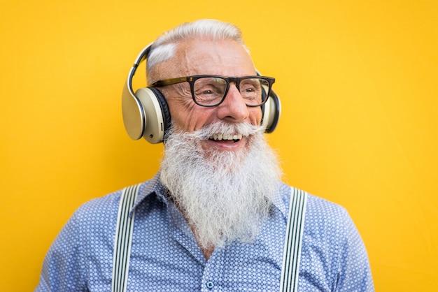 Senior hipster man portret