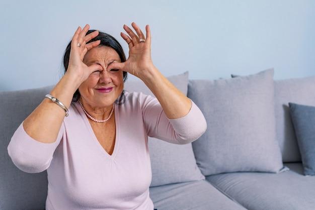 Senior met sinusitis
