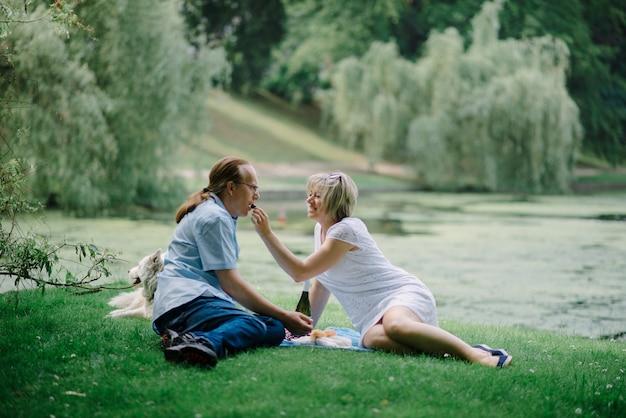 Senior paar in park
