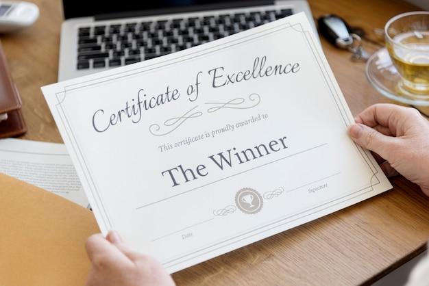 Senior volwassen bedrijf certificaat concept