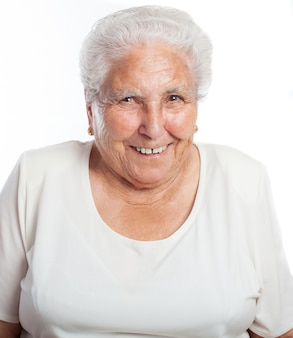 Senior vrouw die lacht