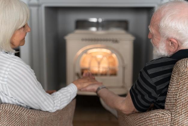 Senioren die de ziekte van alzheimer confronteren