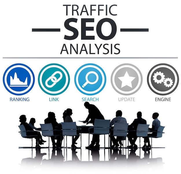 Seo-analyse op zakelijke bijeenkomst