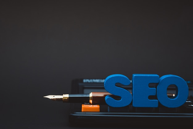 Seo-tekstalfabet voor het concept van de search engine optimization