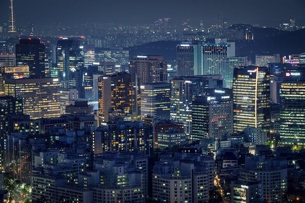 Seoul wolkenkrabbers in de nacht, zuid-korea.