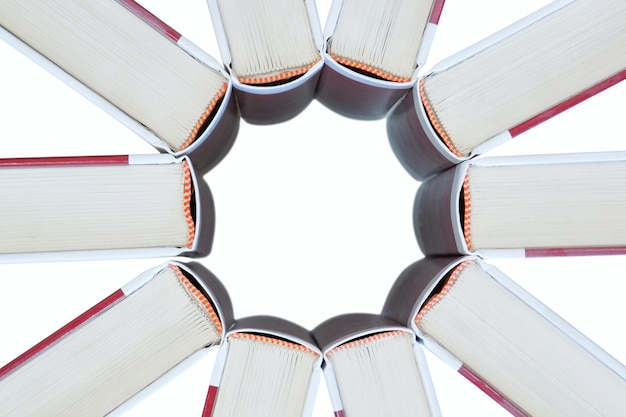 Set boeken in de vorm van een ster.