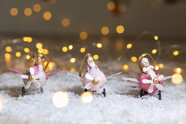 Set decoratieve beeldjes met kerstthema