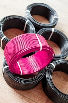 Set gekleurde elektrische kabel