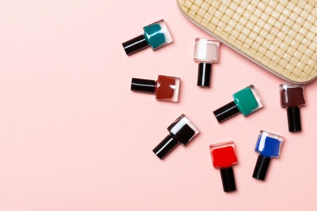 Set nagellakken morsen uit cosmetica zak