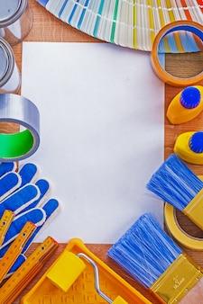 Set reparatie tools en kleurenpalet gids op schoon papier onderhoud concept