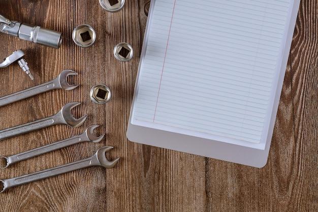 Set sleutels voor reparatie automonteur gereedschapsset heeft gereedschap zeskant voorbereid