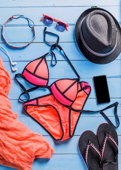 Set strandkleding. roze bikini