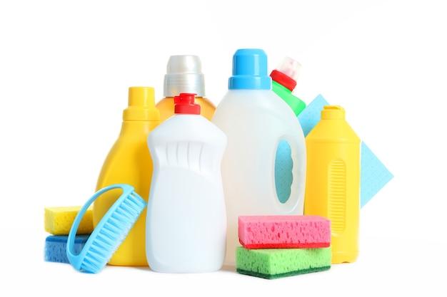 Set tools voor reiniging en desinfectie geïsoleerd op wit
