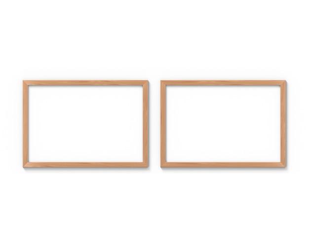 Set van 2 horizontale houten lijsten die aan de muur hangen. 3d-weergave.