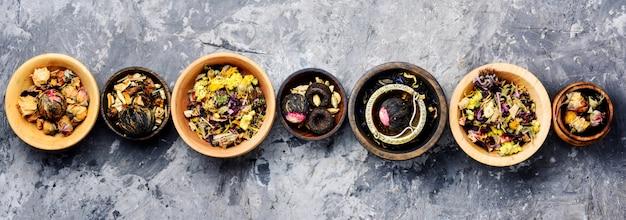 Set van droge theebladeren