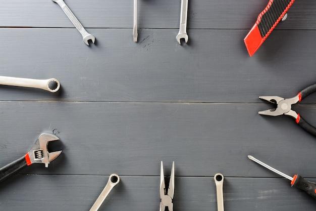 Set van huishoudelijke hulpmiddelen. kopieer ruimte.