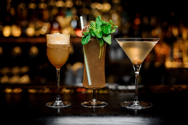 Set van klassieke cocktails Premium Foto