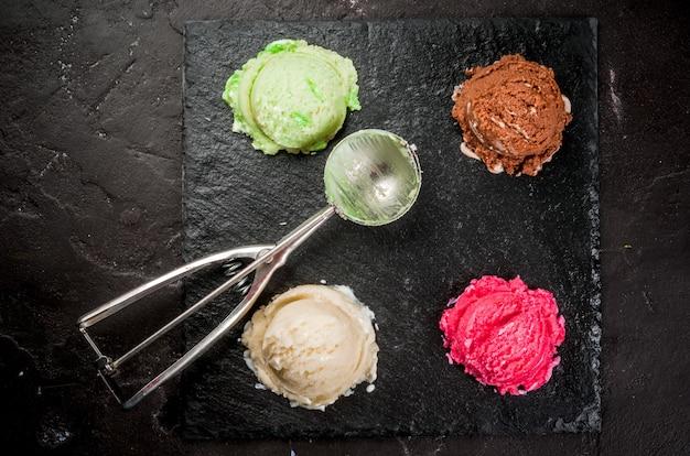 Set van kleurrijke ijs