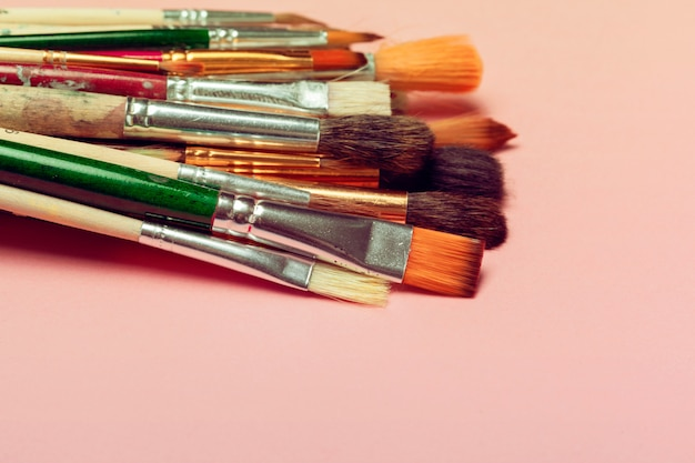 Set van kunst penselen. schilderij leveringen, kunst concept