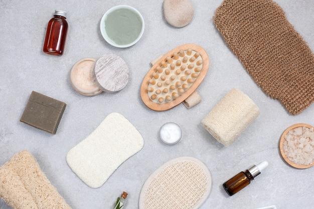 Set van milieuvriendelijke sponzen voor lichaamsverzorging en natuurlijke cosmetica