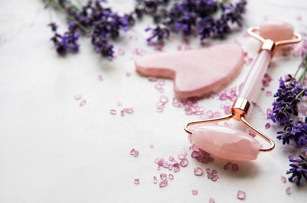 Set van natuurlijke organische spa-cosmetica met lavendel