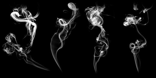 Set van natuurlijke witte rook geïsoleerd op zwarte achtergrond