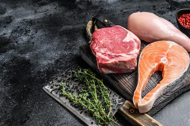 Set van rauwe vleeslapjes vlees regeling