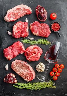 Set van verschillende klassieke, alternatieve rauwe vleessteaks
