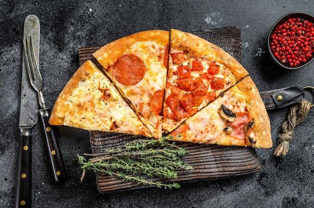 Set van verschillende plakjes pizza