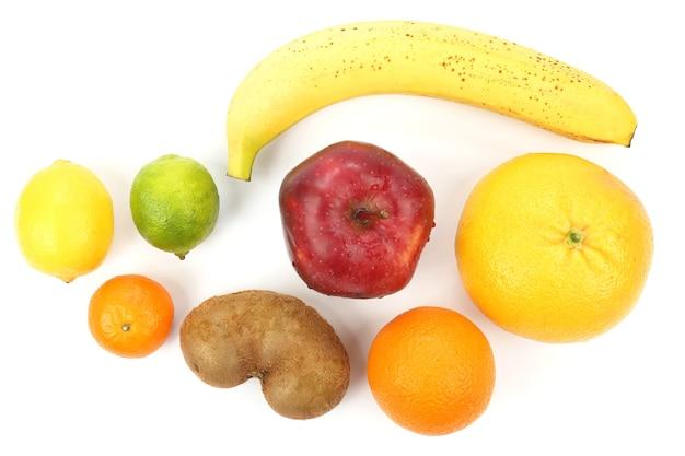 Set van verschillende vruchten op witte achtergrond. gezond en vitamine eten