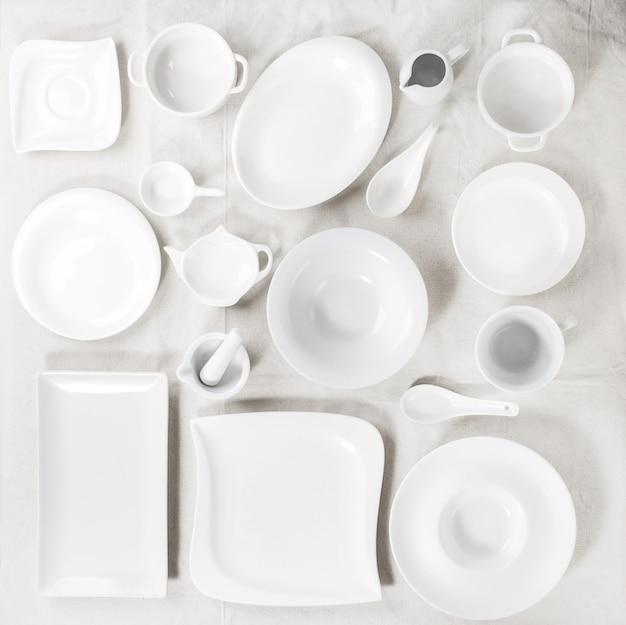 Set van witte platen