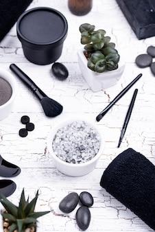 Set van zwarte houtskool detox cosmetica