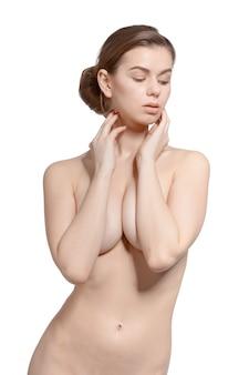 Sexy fit naakte vrouw geïsoleerd