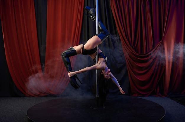 Sexy showgirl, paaldans