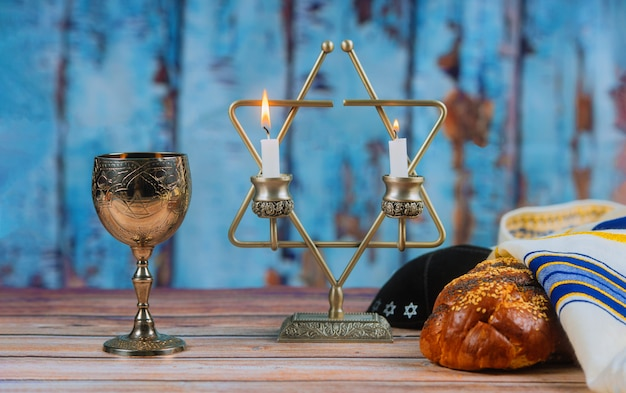 Shabbat shalom - traditioneel joods ritueel challah brood,
