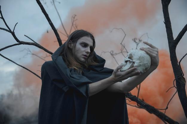 Shakespeariaanse interpretatiescène met schedel