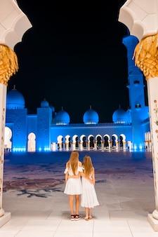 Sheikh zayed-moskee in abu dhabi, verenigde arabische emiraten