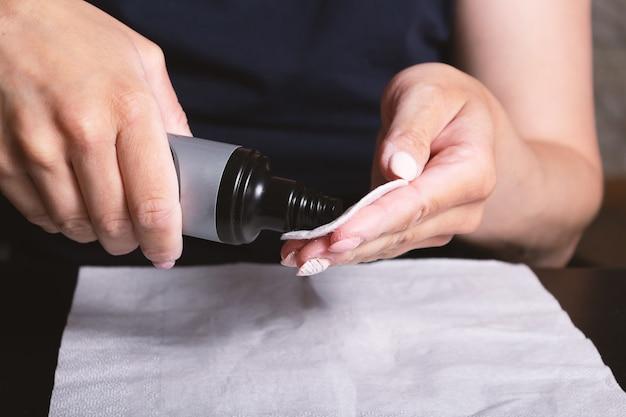 Shellac nagellak zelf verwijderen thuis