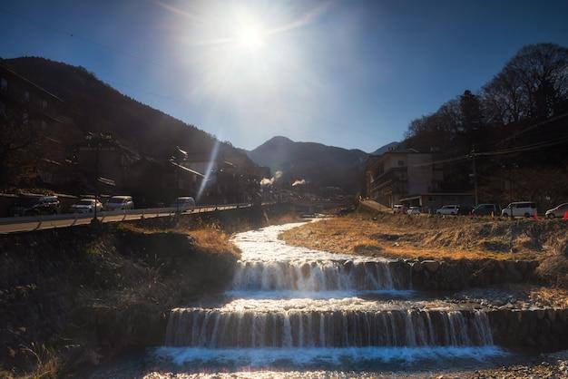 Shibu onsen schilderachtig uitzicht in de ochtend, nagano