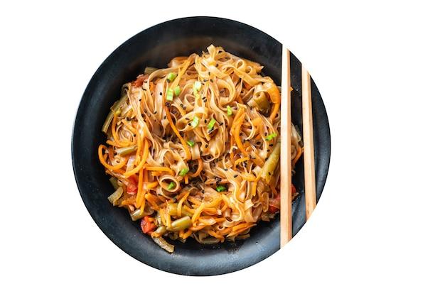 Shirataki noedels rijst wok funchose groenten sojasaus soep pho pho bo pad thai