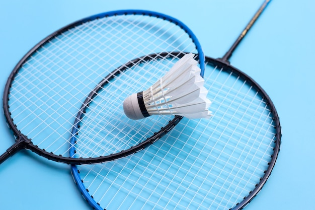 Shuttle en badmintonrackets