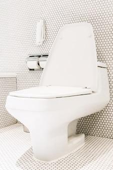 Side en gesloten wc