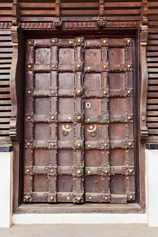 Sierlijke deur
