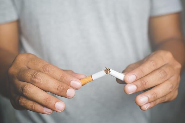 Sigaret afbreken. stoppen met verslaving concept.