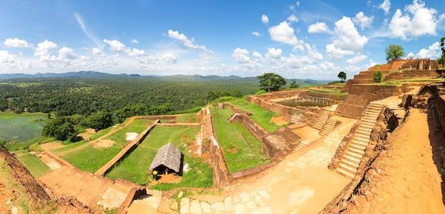 Sigiriya sri lanka, boeddha-tempel, panoramisch uitzicht
