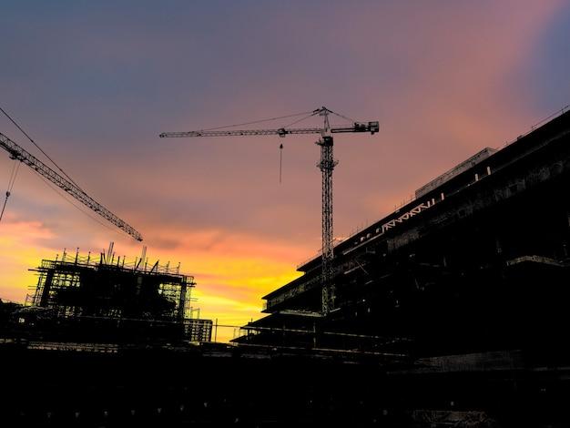 Silhouet bouwconstructie bar op de bouwplaats en industrieel concept