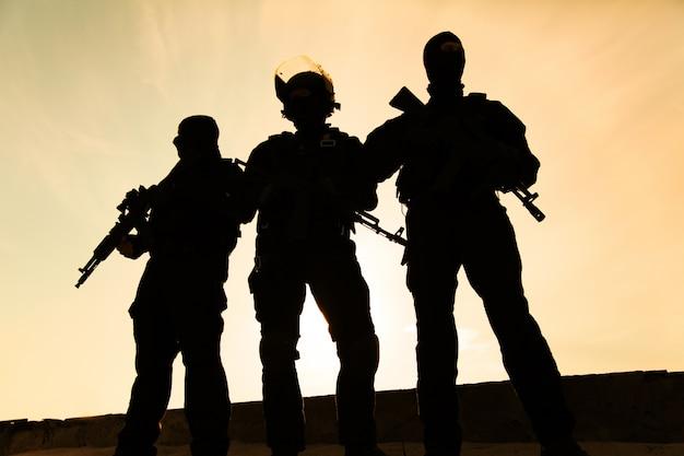 Silhouet van soldaat