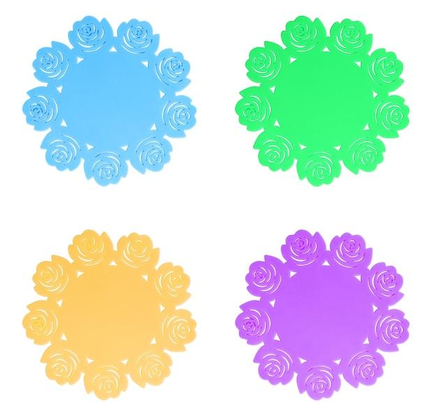 Siliconen staan onder de hete pan of theepot op witte achtergrond